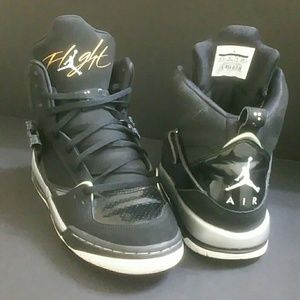 AIR JORDAN FLIGHT 45 YOUTH/WOMEN SHOES